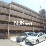 三鷹駅徒歩15分、武蔵野市西久保3丁目の2LDKリノベーション賃貸マンション(外観写真)