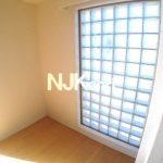 三鷹駅徒歩14分、武蔵野市中町3丁目のひろびろオートロック付マンション(居室・リビングの写真)