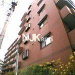 71.5㎡のRC造7階建て3LDKマンション!! 第六小学校歩6分,第一中学校歩8分です。(外観写真)
