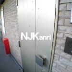 三鷹駅徒歩7分、武蔵野市御殿山2丁目のオートロック付きマンション(玄関の写真)