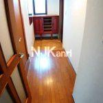 三鷹駅徒歩8分、武蔵野市中町2丁目の3DK賃貸マンション・最上階プラス屋上(玄関の写真)
