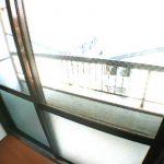 三鷹駅徒歩15分、武蔵野市西久保3丁目のバストイレ独立ロフト付1DK賃貸マンション(バルコニーの写真)