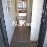 三鷹市上連雀5丁目の軽量鉄骨造1K賃貸アパート(玄関の写真)