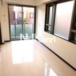 三鷹駅徒歩4分、三鷹市上連雀2丁目オートロック付き賃貸1LDKマンション(居室・リビングの写真)