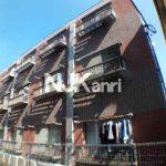三鷹駅徒歩5分、三鷹市下連雀3丁目のバストイレ別1K賃貸マンションの2階(外観写真)