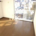 三鷹市上連雀5丁目のバストイレ別賃貸1Kアパート(居室・リビングの写真)