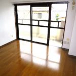 三鷹駅徒歩15分の3LDK賃貸マンション(居室・リビングの写真)