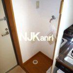 三鷹駅徒歩9分、武蔵野市中町2丁目オートロック付き賃貸1Kマンション(洗濯機置場の写真)