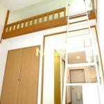 三鷹駅徒歩6分、バストイレ独立ロフト付き賃貸1Kアパート【ラ・コートYUZU】(居室・リビングの写真)