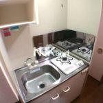 三鷹駅徒歩5分、三鷹市下連雀3丁目のバストイレ別1K賃貸マンションの2階(キッチンの写真)