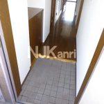 三鷹駅徒歩20分武蔵野市関前2丁目の3LDK賃貸マンション最上階角部屋!!(玄関の写真)