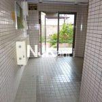 「メゾンセシール」三鷹駅北口、武蔵野市西久保2丁目の2DK賃貸マンション(エントランスの写真)