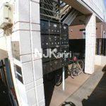 三鷹駅北口・武蔵野市八幡町1丁目のバストイレ独立1K賃貸マンション(エントランスの写真)