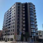 2021年完成、三鷹駅徒歩3分・三鷹市上連雀2丁目の1LDK分譲賃貸マンション(外観)
