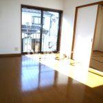 武蔵野市西久保1丁目の賃貸コーポ(居室・リビングの写真)