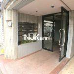 三鷹駅徒歩10分、三鷹市下連雀4丁目のRC造2DK賃貸マンション(エントランスの写真)