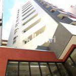 三鷹市下連雀4丁目、夜道も安心な商店街沿いのオートロック付賃貸マンション♪(外観)